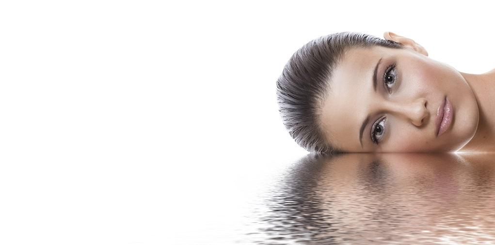 donna, idratazione, acqua, pelle, riflesso, viso, dermatologia, difa cooper