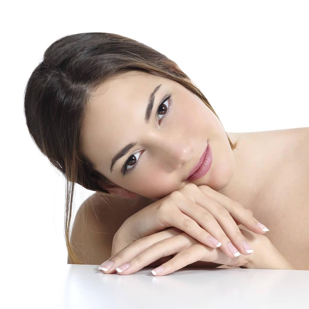 donna, volto, viso, pelle, dermatologia, acqua, zolfo, terme, unghie, capelli, bellezza, salute