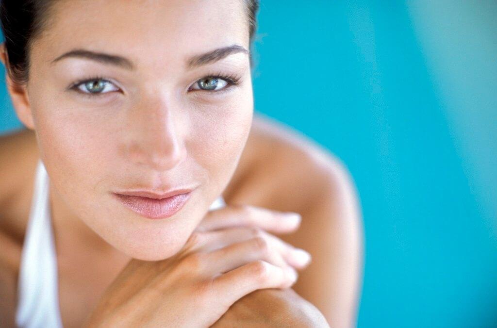 donna, acqua, terme, volto, viso, sorriso, pelle, salute, bellezza, zolfo, dermatologia
