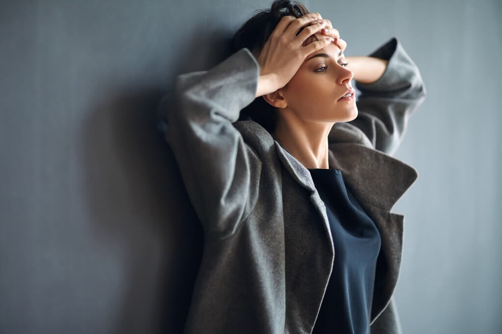 donna, stress, grigio, pelle, magnesio, antistress, malumore